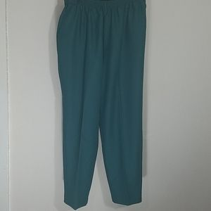 Pants pull on green stretch pockets high-rise EUC